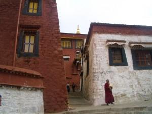 ガンデン寺